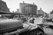 Tchécoslovaquie 1968: les chars du Pacte de Varsovie contre le socialisme